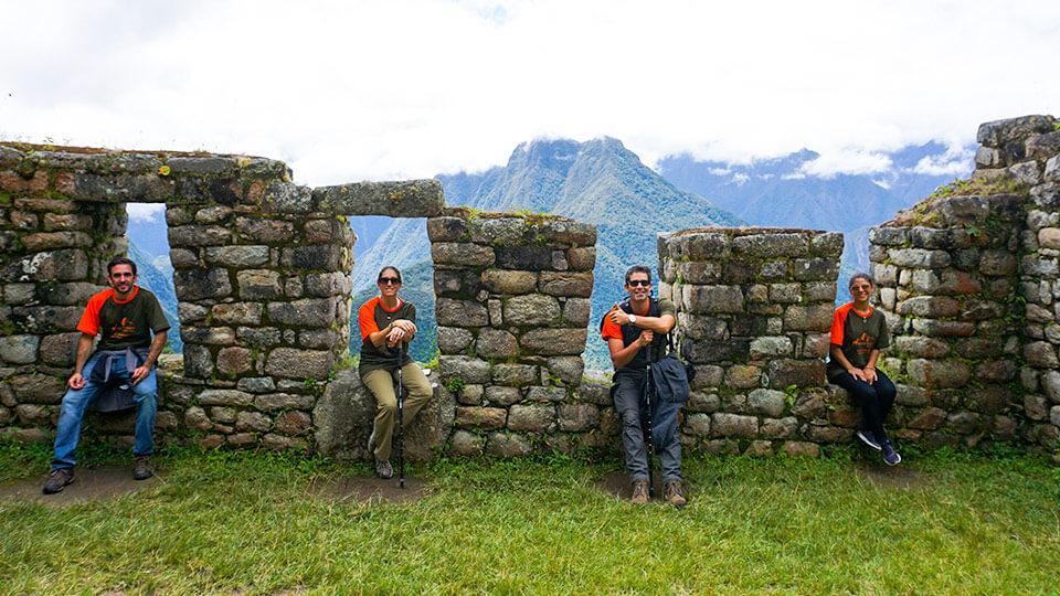 Inca Trail Tour 1 Day to Machupicchu – Group Service